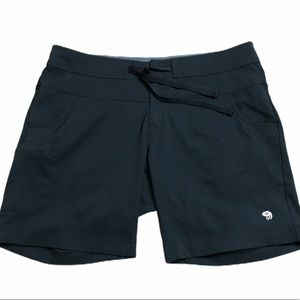 Mountain Hardwear Black Womens Shorts size 14